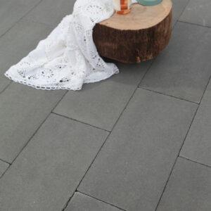 Strakke betontegels 60x30