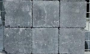 A24. Trommelsteen 20x20x6 zwart